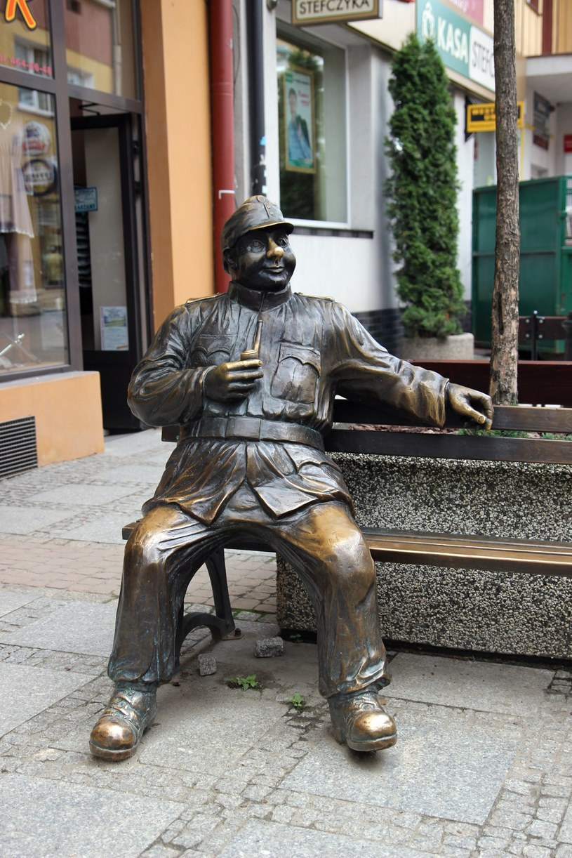 Ławeczka Józefa Szwejka w Sanoku. /MAREK ZAJDLEREAST /East News