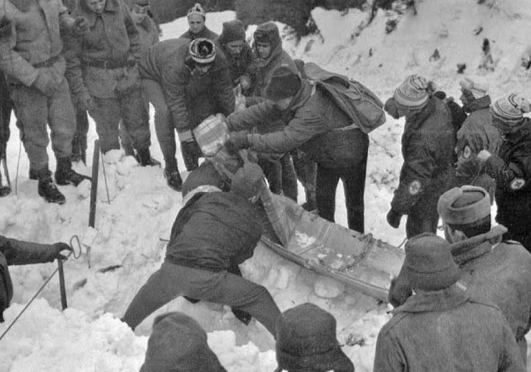 Lawina w Białym Jarze zabrała życie 19 osobom /Wikimedia Commons /domena publiczna
