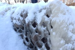 Ławka z lodu, gigantyczne sople... Mróz w Gdyni-Orłowie