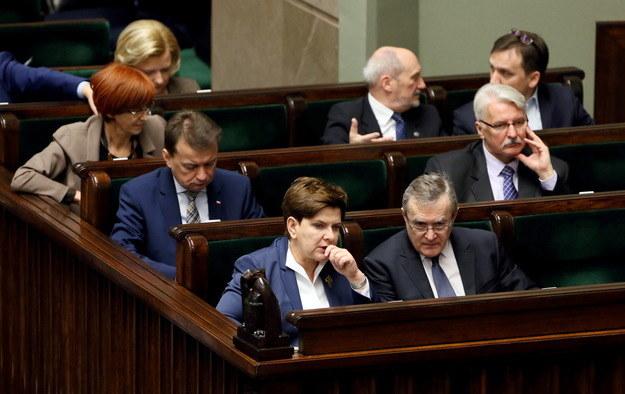Ławy rządowe podczas posiedzenia Sejmu /Tomasz Gzell /PAP