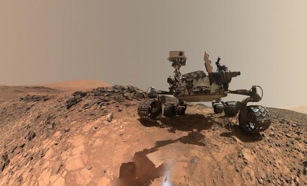 Łazik Curiosity bada powierzchnię Marsa od 2012 roku /NASA/JPL-Caltech/MSSS /materiały prasowe