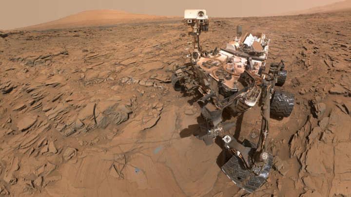 Łazik Curiosity wciąż dokonuje spektakularnych odkryć /NASA