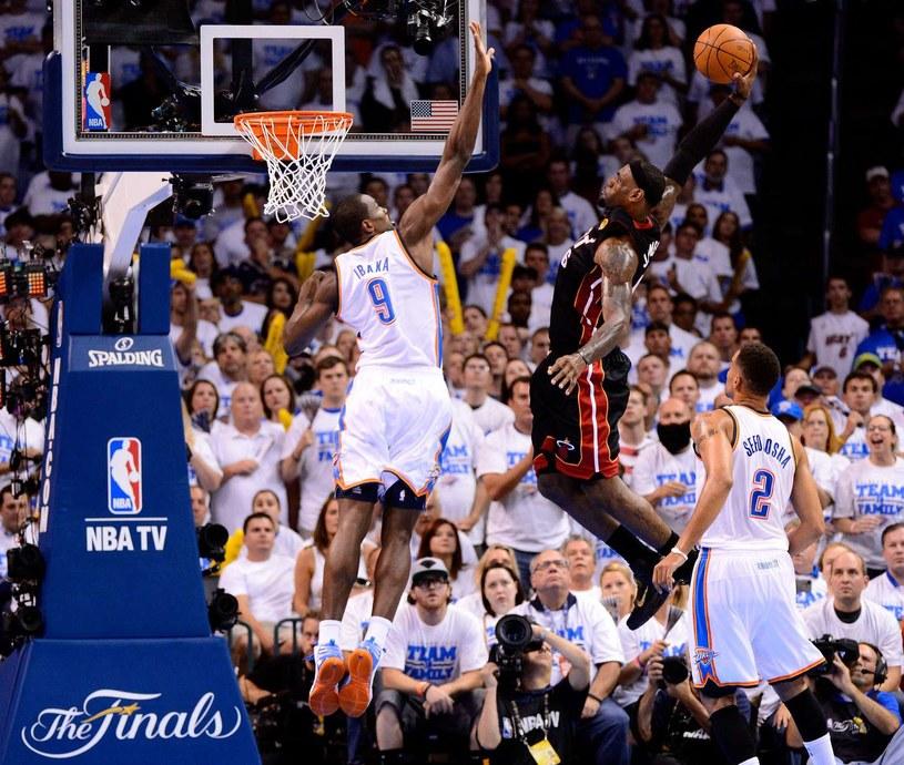 LeBron James to jeden z efektowniej grających koszykarzy w NBA /AFP