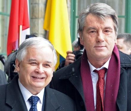 Lech Kaczyński i Wiktor Juszczenko /AFP