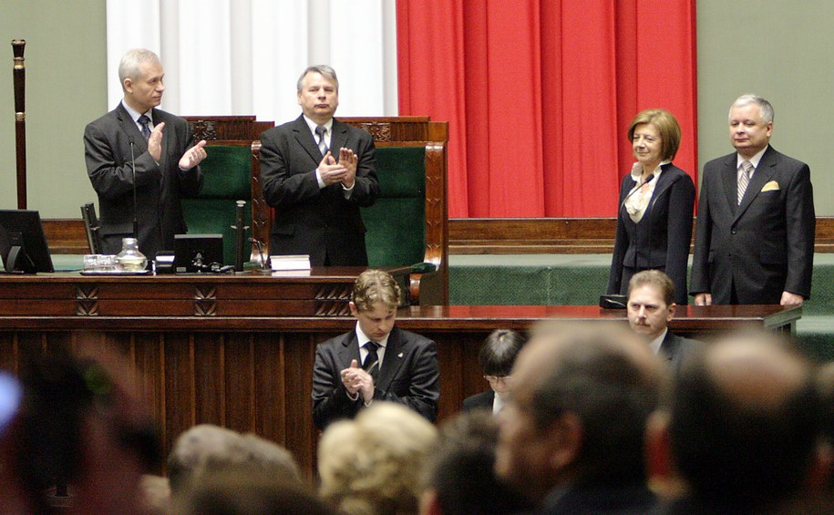 Lech Kaczyński z małżonką Marią Kaczyńską oraz marszałkowie Sejmu i Senatu /Bartłomiej Zborowski  (PAP) /PAP