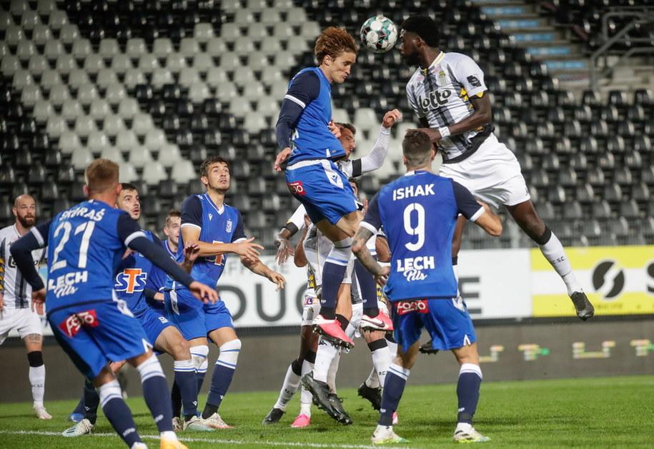 Lech Poznań zwyciężył z Royal Charleroi 2:1 /STEPHANIE LECOCQ  /PAP/EPA