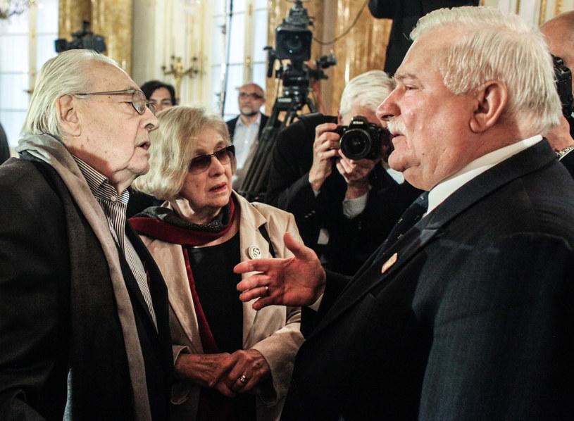 Lech Wałęsa, Andrzej Wajda i jego żona Krystyna Zachwatowicz /Jakub Kamiński   /PAP