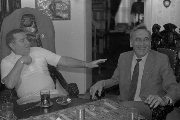 Lech Wałęsa i Tadeusz Mazowiecki na plebanii kościoła św. Brygidy w Gdańsku - 20 sierpnia 1989 r. /Tomasz Wierzejski /Agencja Gazeta