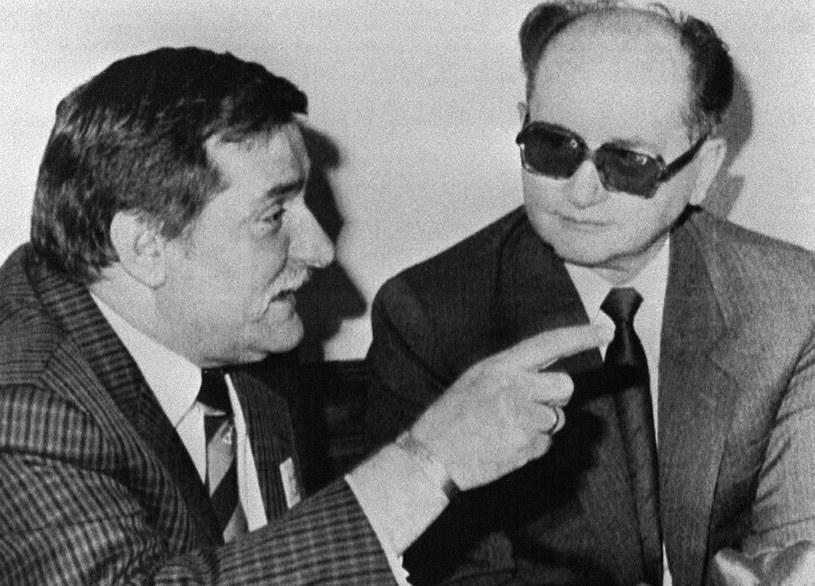 Lech Wałęsa i Wojciech Jaruzelski. Zdjęcie z 1989 roku /AFP