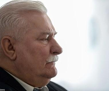 Lech Wałęsa: Nieźle podrobili te papierki