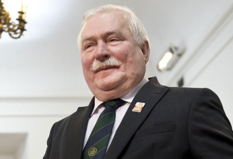 """Lech Wałęsa obali rząd PiS """"bo się na tym zna"""" /AFP"""