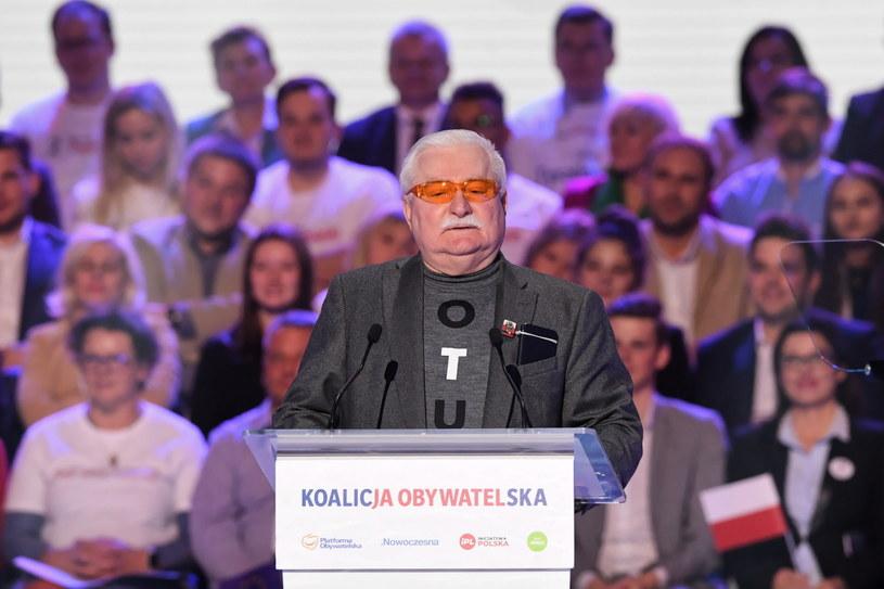 Lech Wałęsa podczas konwencji KO / Radek Pietruszka   /PAP