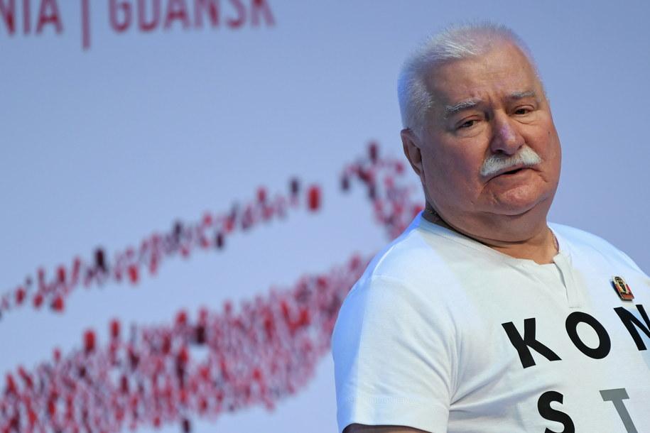 """Lech Wałęsa podczas panelu """"Sierpień'80"""" w ramach Forum Obywatelskiego w ECS w Gdańsku / Adam Warżawa    /PAP"""
