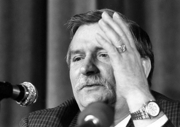Lech Wałęsa podczas posiedzenia Komitetu Obywatelskiego (1990) /Andrzej Iwańczuk/Reporter /East News