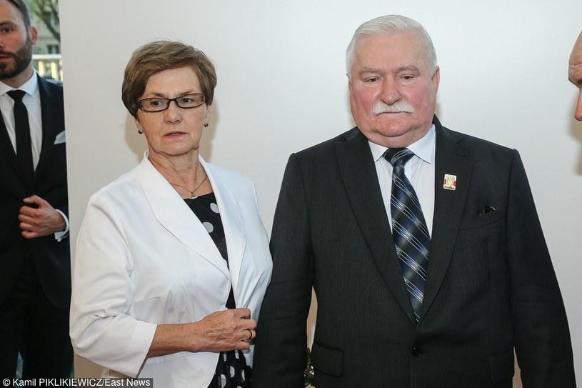 Lech Wałęsa z żoną Danutą /Kamil Piklikiewicz /East News