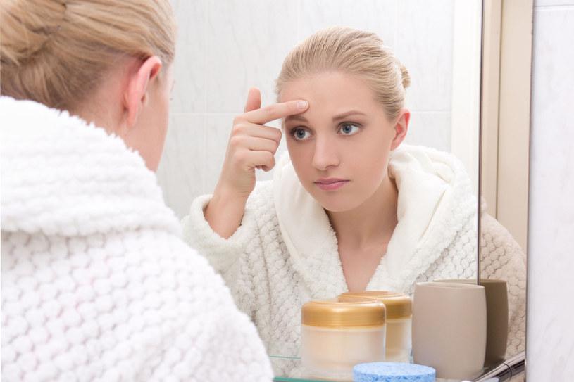 Leczenie trądziku u dorosłych jest trudne /123RF/PICSEL