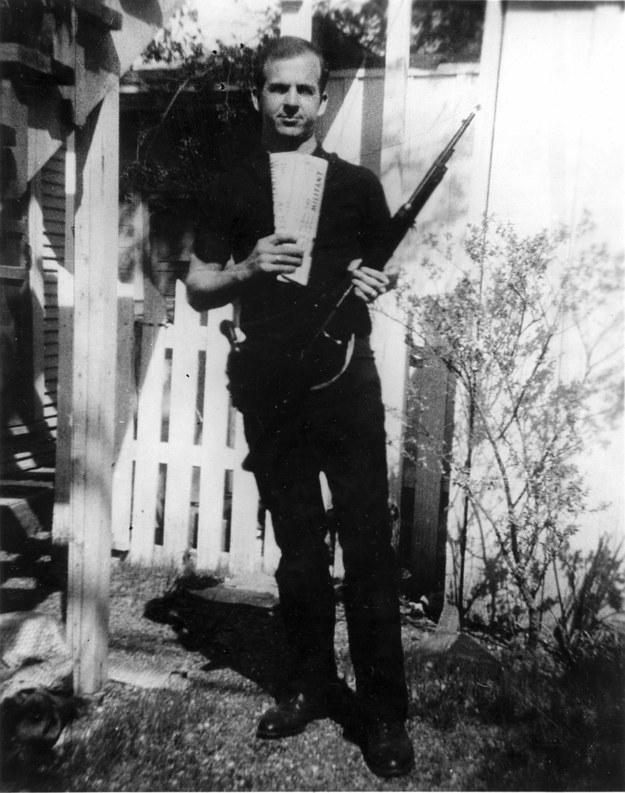 Lee Harvey Oswald, zabójca Kennedy'ego /FBI /PAP/EPA