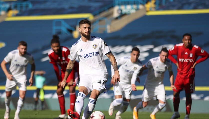Leeds - Fulham 4-3 w spotkaniu 2. kolejki Premier League