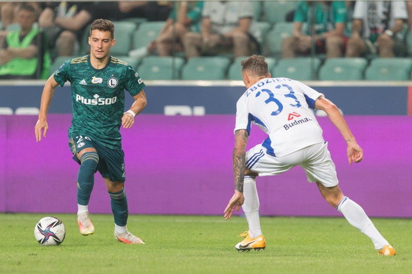 Legia, w rezerwowym składzie, ograła Wisłę Płock, po golu Ernesta Muciego /Foto Olimpik/REPORTER /East News