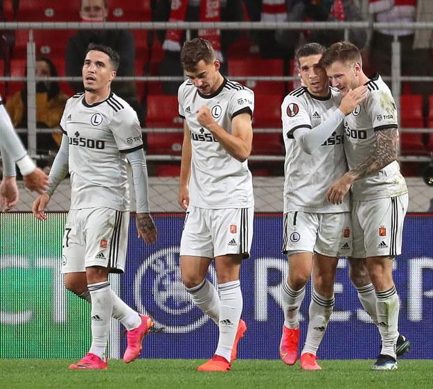 Legia Warszawa jest liderem grupy C po pierwszej kolejce piłkarskiej Ligi Europy /MAXIM SHIPENKOV    /PAP/EPA