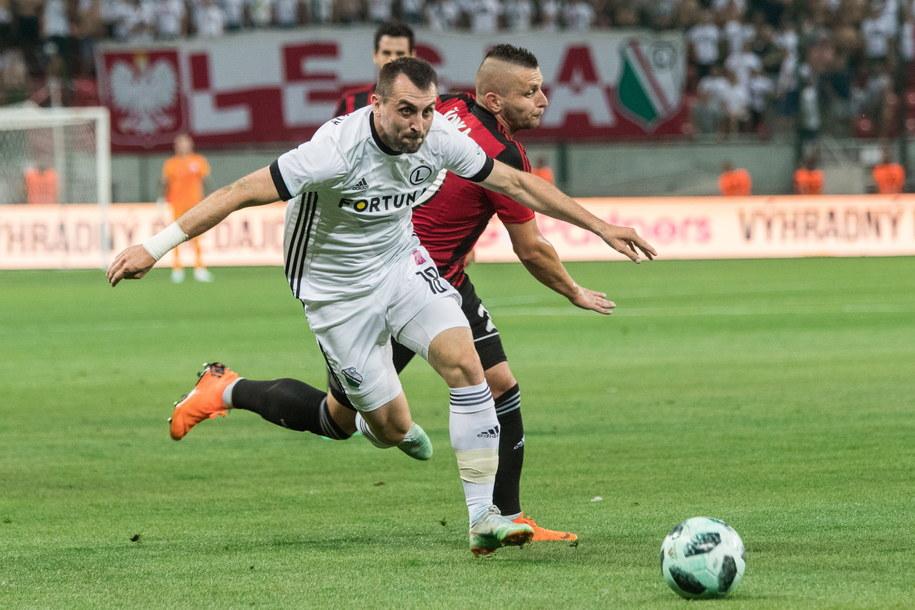 Legia Warszawa walczy o awans /JAKUB GAVLAK /PAP/EPA