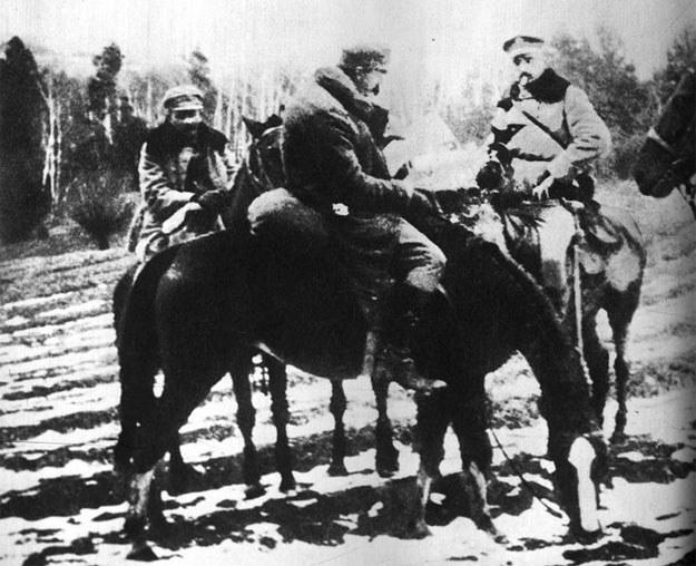 Legioniści. Na pierwszym planie widoczny Józef Piłsudski /Z archiwum Narodowego Archiwum Cyfrowego