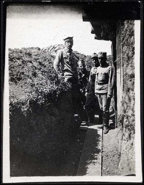 Mjr Henryk Minkiewicz, legionowy dowódca, okopy pod Czerniowcami (1915)