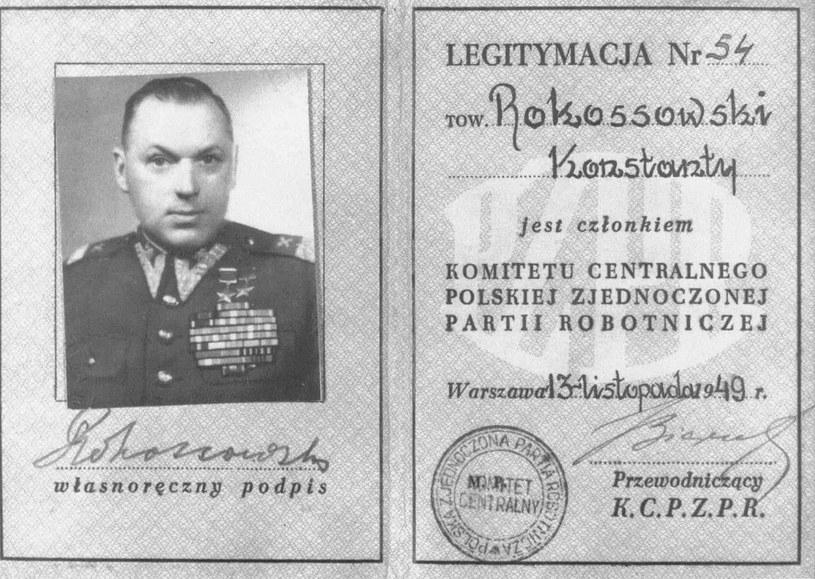 Legitymacja KC PZPR Konstantego Rokossowskiego /East News