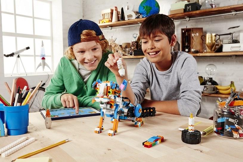 LEGO BOOST to doskonały sposób na naukę robotyki /materiały prasowe