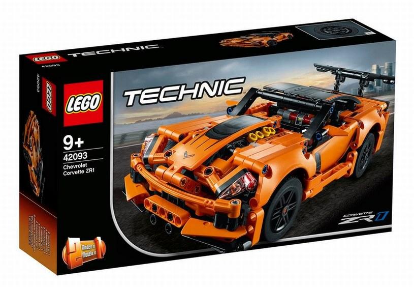 LEGO TECHNIC CHEVROLET CORVETTE ZR1 /materiały prasowe