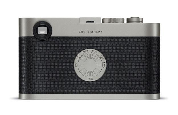 Leica M Edition 60 jest aparatem cyfrowy, ale nie ma wyświetlacza. /materiały prasowe