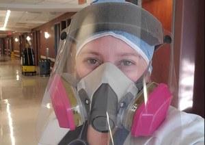 Lekarka z USA: Przed podłączeniem do respiratora pacjenci błagają mnie o szczepionkę