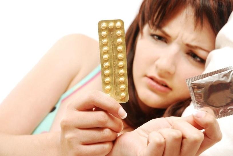 Lekarz może zalecić środki antykoncepcyjne /123RF/PICSEL