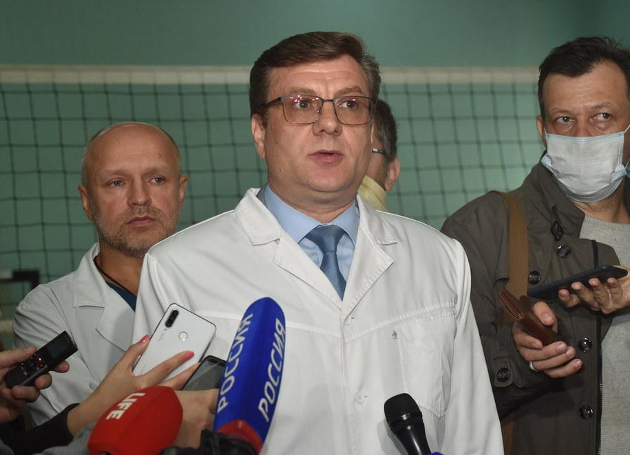"""Lekarz: U Nawalnego wystąpiło """"naruszenie metabolizmu"""" /MAXIM KARMAYEV /PAP/EPA"""
