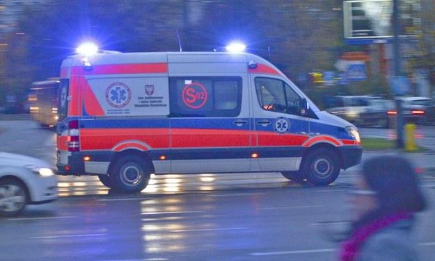 Lekarz z pogotowia ratunkowego stwierdził zgon kierowcy (zdjęcie ilustracyjne) /Włodzimierz Wasyluk /Reporter
