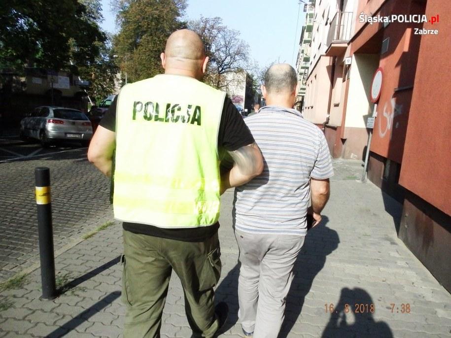 Lekarz został zatrzymany po wyjściu ze swojego gabinetu /Policja /Policja