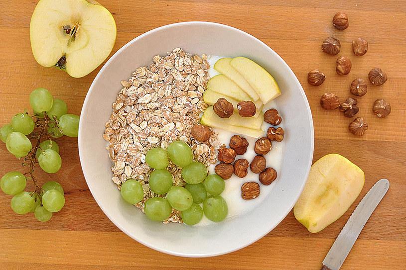 Lekarze alarmują - jeśli aktualne nawyki żywieniowe utrzymają się, ludzie będą mieli z cholesterolem coraz większe problemy /123RF/PICSEL