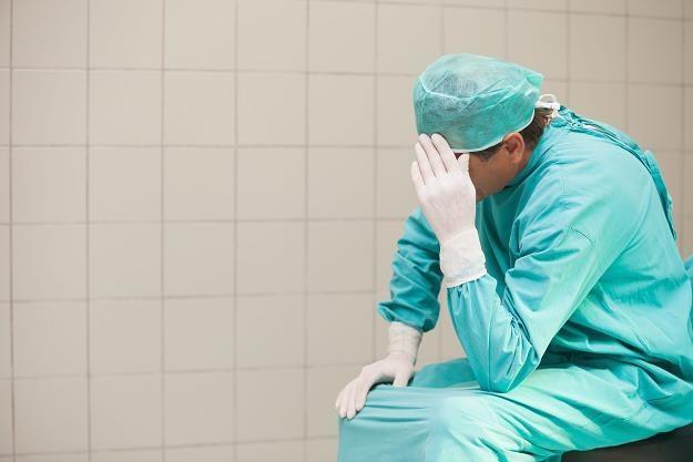 Lekarze dopłacają do badań /©123RF/PICSEL