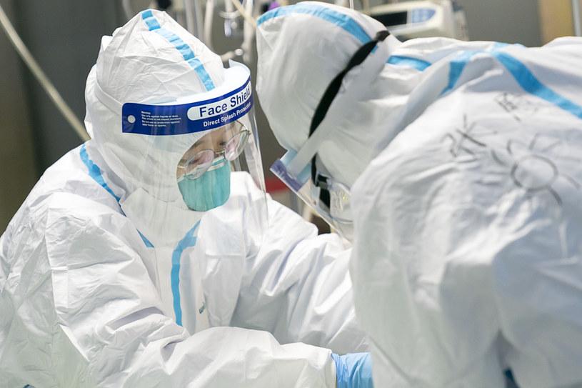 Lekarze w szpitalu w Wuhan /Xiong Qi /East News