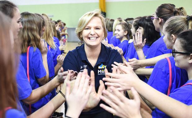 Lekcja WF na Targówku. Jędrzejczak: Przejechałyśmy, by propagować sport wśród młodzieży