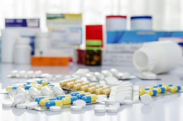 Leki przeciwgorączkowe wcale nie pomagają, a szkodzą? /123RF/PICSEL
