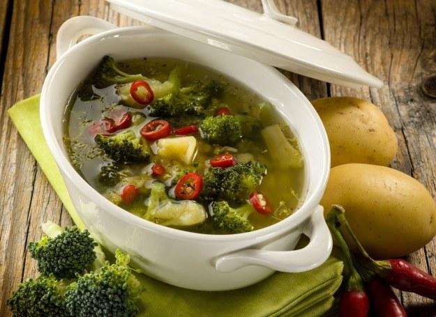 Lekka, ale pożywna zupa brokułowa /123RF/PICSEL