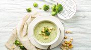 Lekka zupa brokułowa z białą kaszą gryczaną