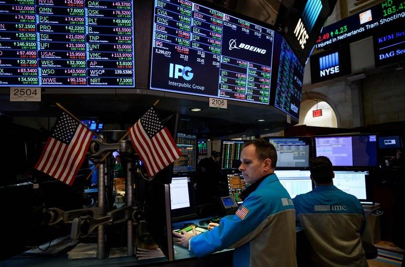 Lekkie spadki na Wall Street, w dół szły firmy technologiczne /AFP