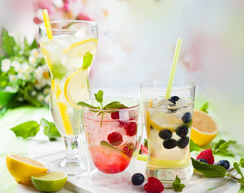 Lemoniady z lodem /©123RF/PICSEL