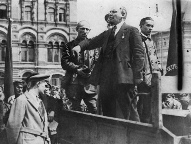Lenin nawołuje do rewolucji (rok 1917) /Getty Images