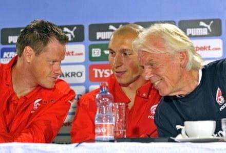 Leo Beenhakker ucieszył się ze spotkania z reprezentantami Polski /AFP