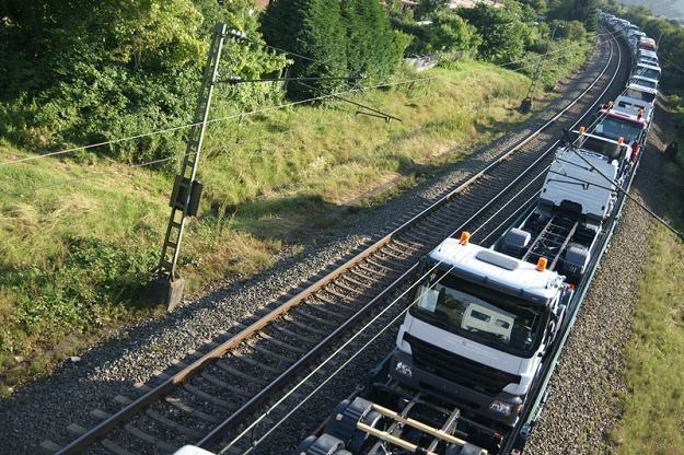Leo Express może mieć problem z wjechaniem na polskie tory /©123RF/PICSEL