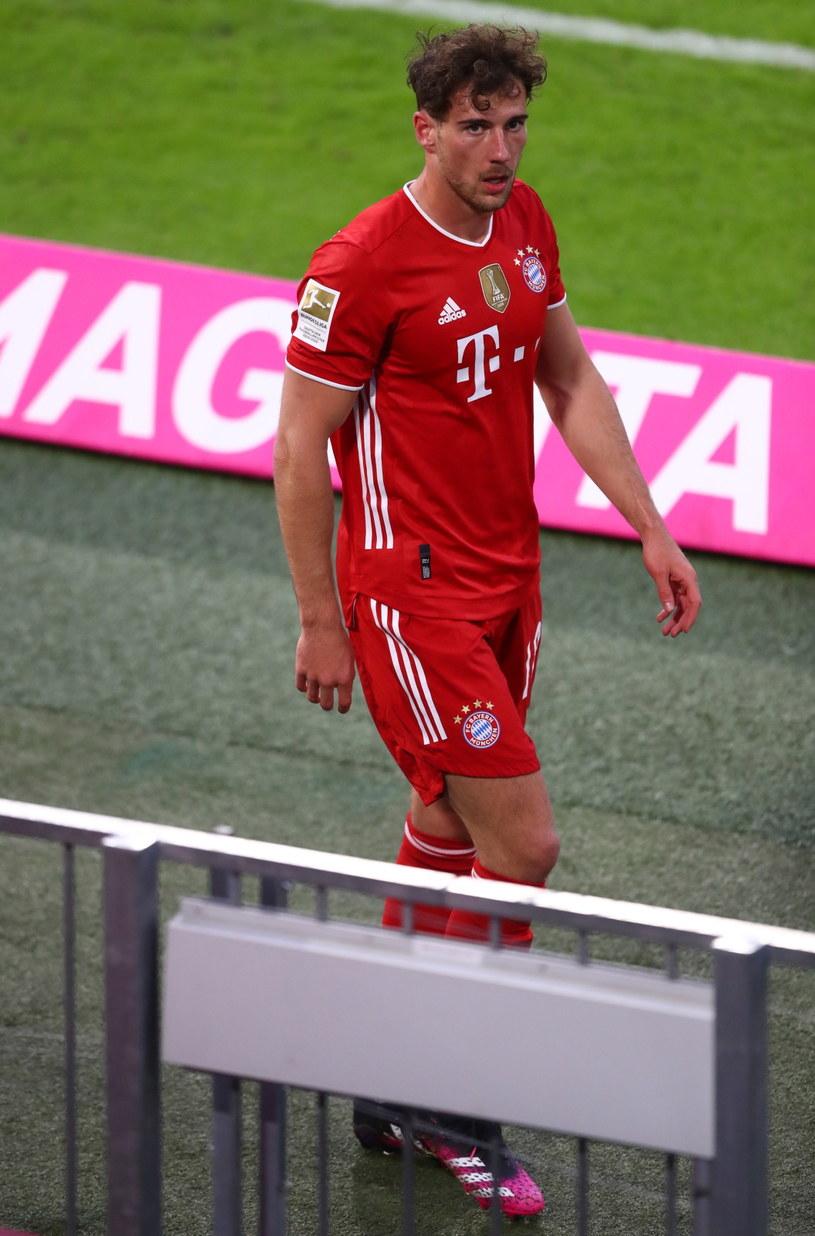 Leon Goretzka w meczu z Gladbach spędził na boisku zaledwie 10 minut /MATTHIAS SCHRADER  /PAP