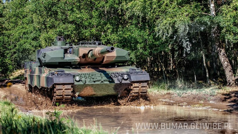 Leopard 2PL podczas prób /Bumar-Łabędy /materiały prasowe